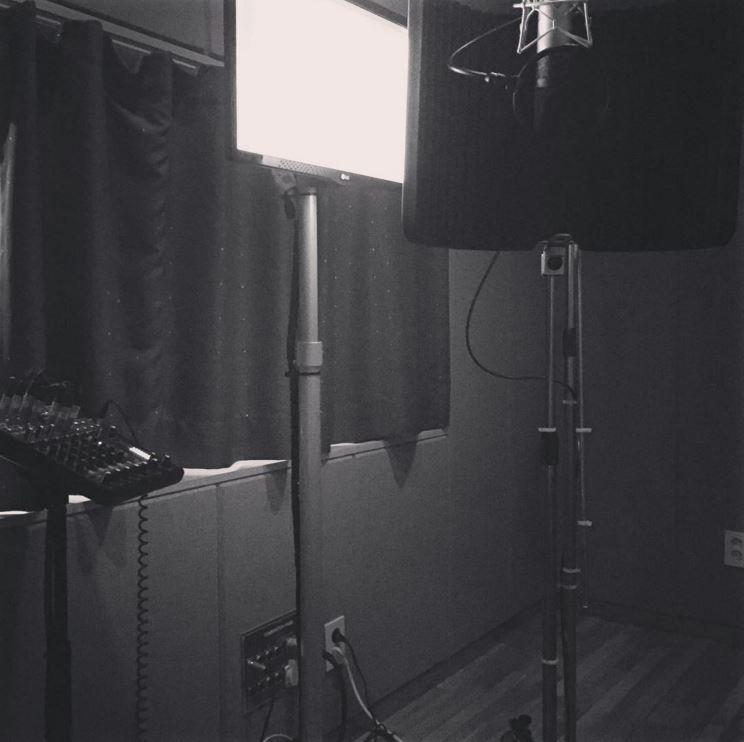 三天前,她也有更新 instagram 感覺正在錄音呢!