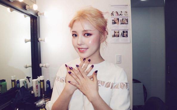 沒錯!就是韓國知名的化妝師PONY啦~