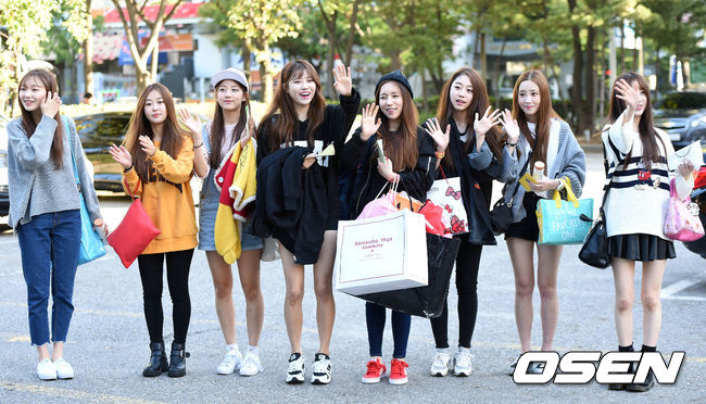 ◆ Lovelyz   Lovelyz 是 Woollim Entertainment 在 2014 年 11 月推出的女團。