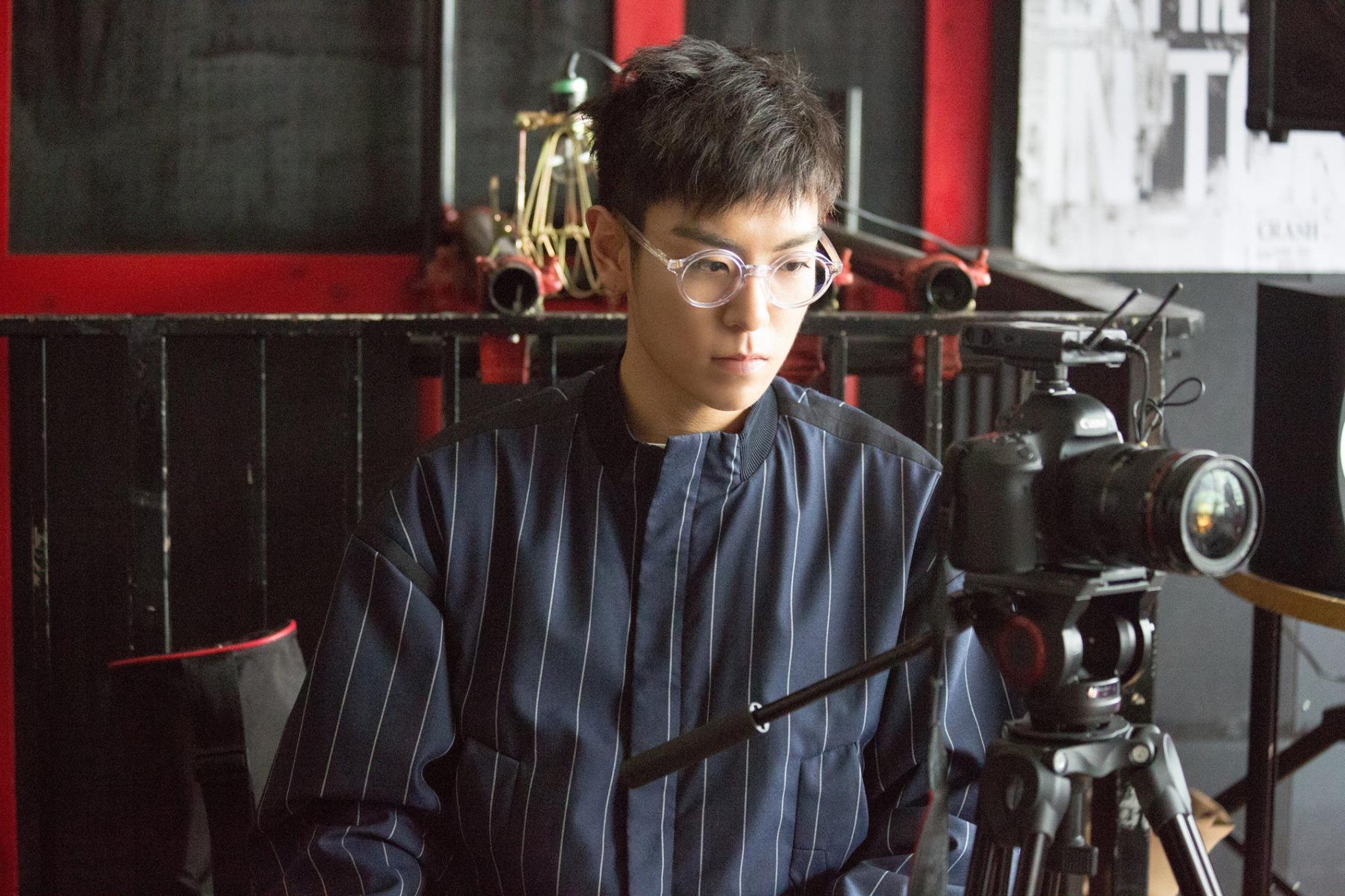 韓國網友只要講到T.O.P就會想到好帥,想到好帥,就會講到T.O.P的程度!像他這樣鼻子很高挺,眼睛這麼大蕊,身高又高、嗓音又磁性~根本男神來著!(不少人都希望能見到他本人一面)