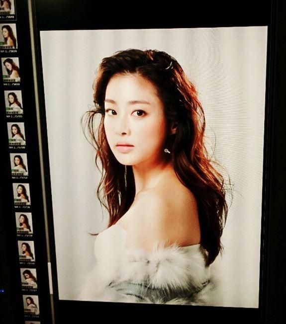 不賣大家關子了~就是姜素拉啦♡過去已經造成多次話題的她,這次又是因為什麼樣的照片讓韓國網友們都驚艷了呢?