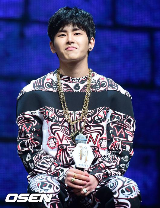 丁丁_Hoya: 釜山花美男Hoya~ 白皙的皮膚加上完全紫色控,不得不說網友把丁丁分配hoya好像還蠻有道理的