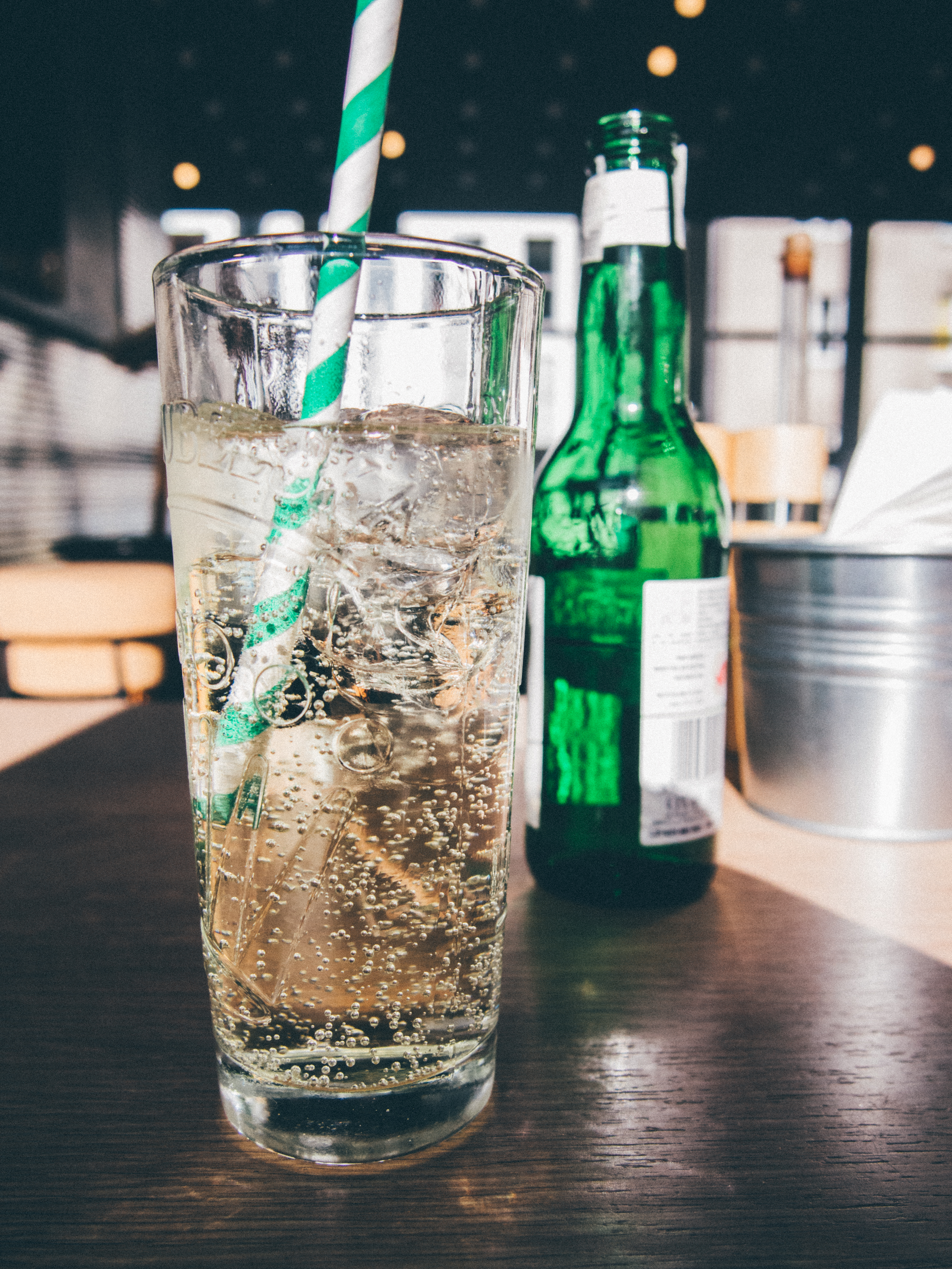 #7 盡量不喝冷飲 喔!但冷開水除外,畢竟多喝水對身體有幫助。但吃東西之前&吃東西中途非常不建議配冷飲,口中的冷飲會讓味覺降低,反而想要吃更重口味的食物呢。