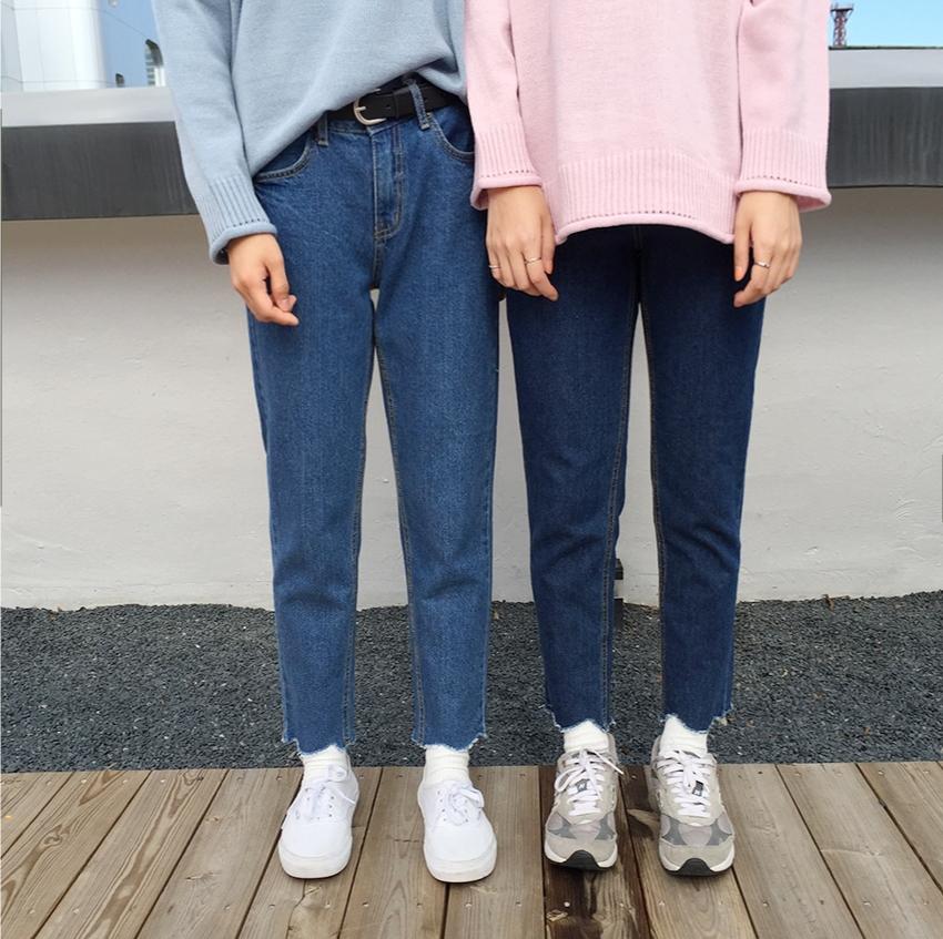 配合BF的褲型不修邊抽鬚的設計是完成既隨性又有型的最大元素♬