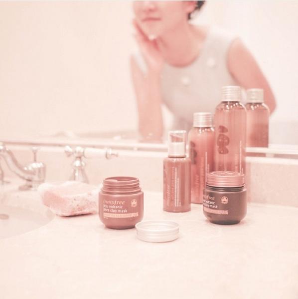 """/保養篇/ """"隨著肌膚生長週期,每過一段時間就會出現老廢角質,如果久不清就會越堆積越肥厚,是造成皮膚無法光滑的主要原因。所以要定期使用特定除角質的產品,讓肌膚從深層保持乾淨。"""""""