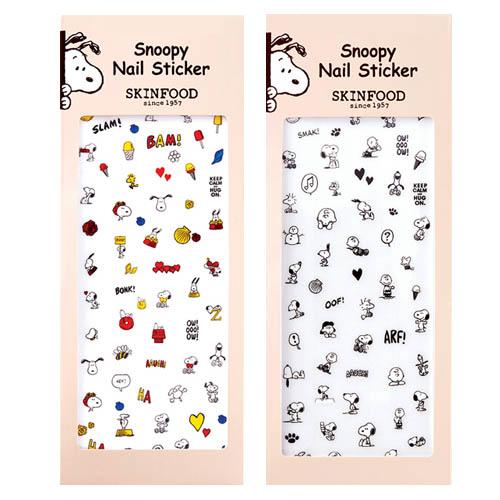 如果美妞是選擇彩色的美甲貼紙,可以搭配白色或黑色當基本的底色~