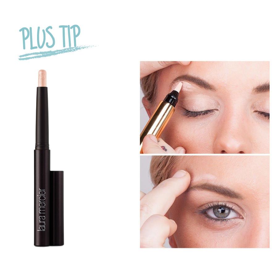除了提亮下巴部位,還可以用高光筆打亮眉骨和眼下的臥蠶部位。讓你的眼睛看起來也神采奕奕。