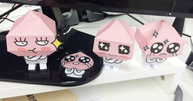 放在辦公室裡...看著這些小可愛,整個人心情都好了呢♥~