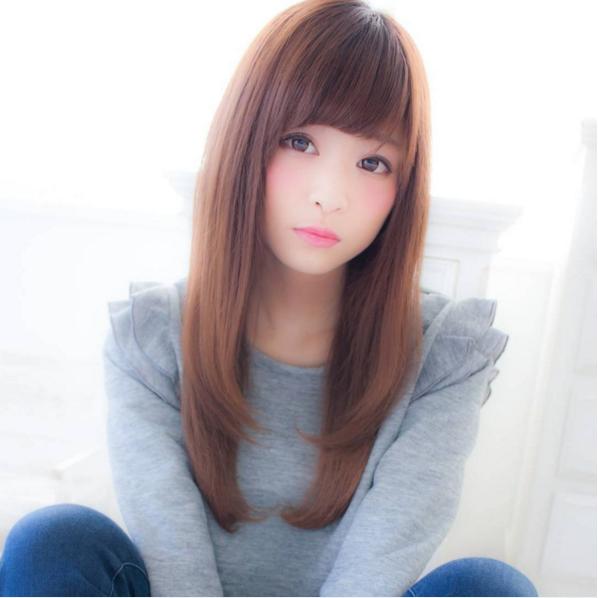 如果長髮又留瀏海,臉部能遮就遮的話,表示對自己相當沒自信呦。