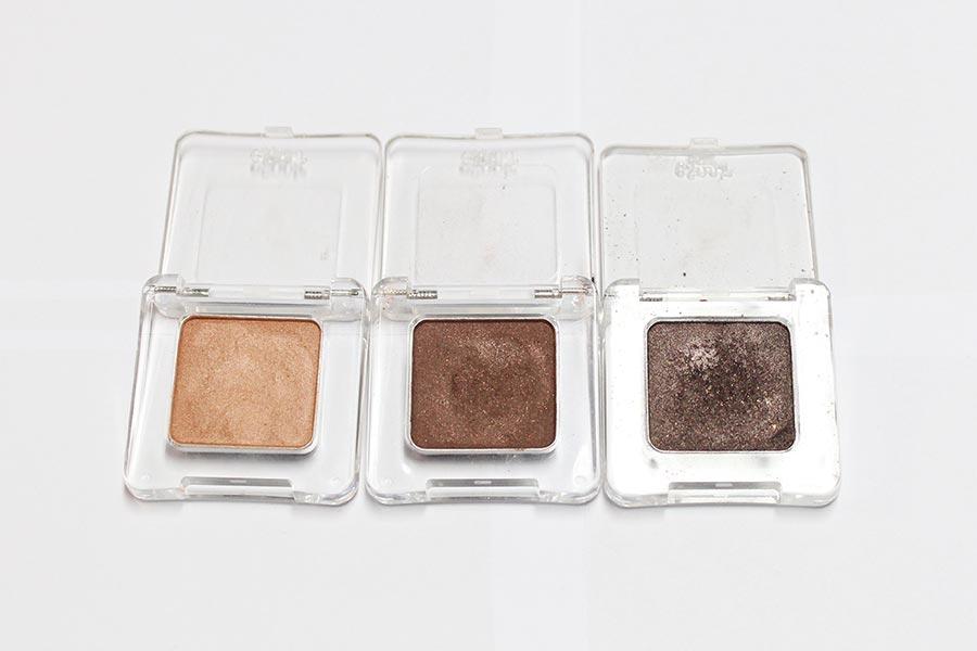 Espoir是一個韓國本土的彩妝品牌,也是韓國彩妝節目力推的產品。 以色正聞名,跟后、蘭芝都是同一家公司的。 從左至右依次是almond lamur 、browniful、elderberry。