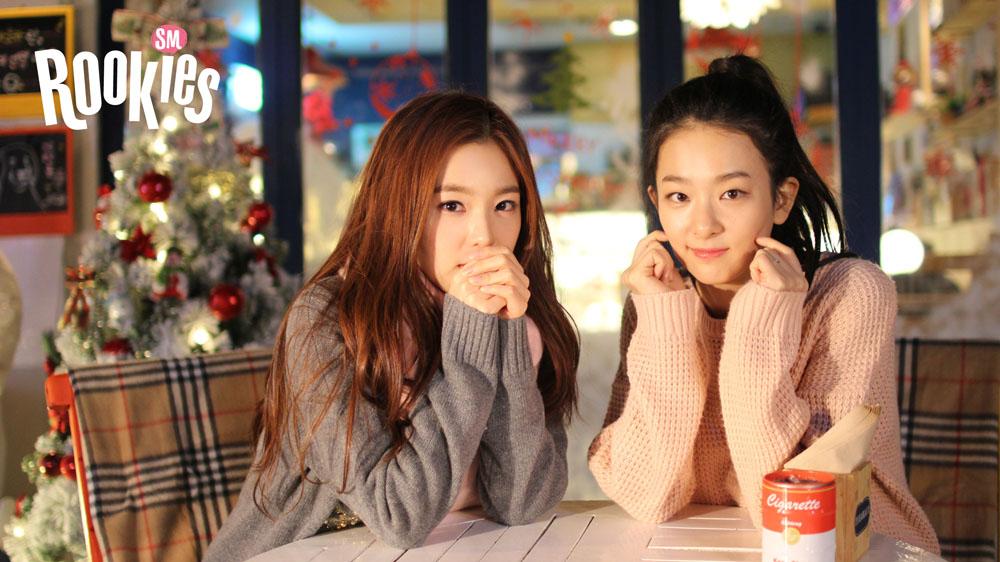 她和現在Red Velvet的成員瑟琪(右)一個以領唱、一個以領舞,出道前雙人搭配亮相