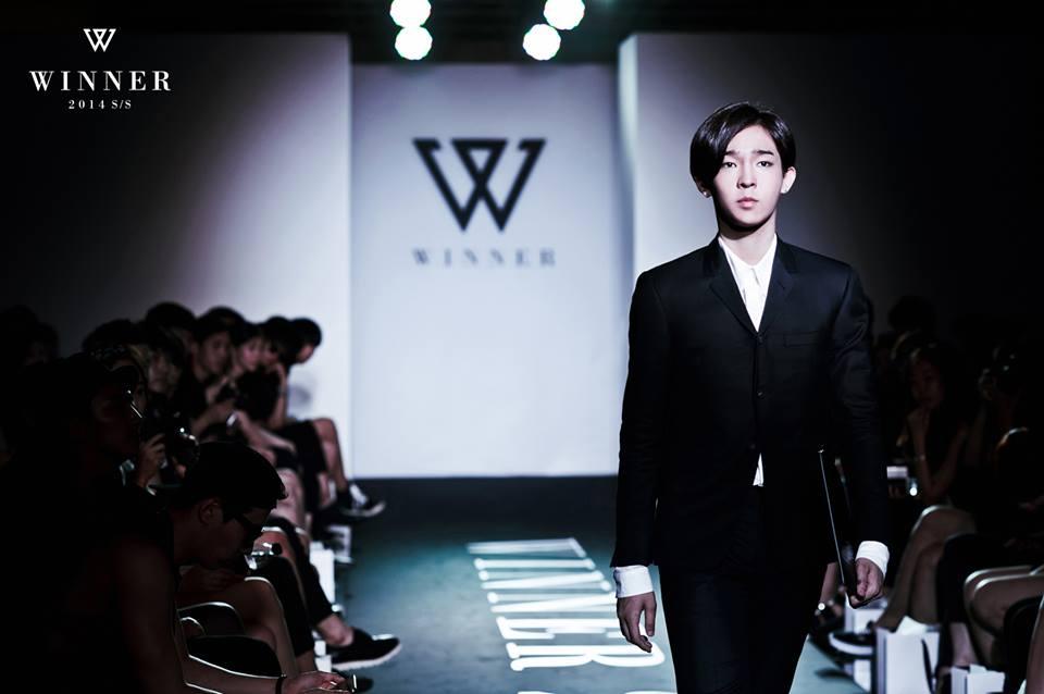 ♥ 2 號:WINNER 太鉉  「南太鉉不笑的時候,看起來真的高冷又傲嬌XD」、「照片看起來都很文青,但笑起來就是小男孩!」