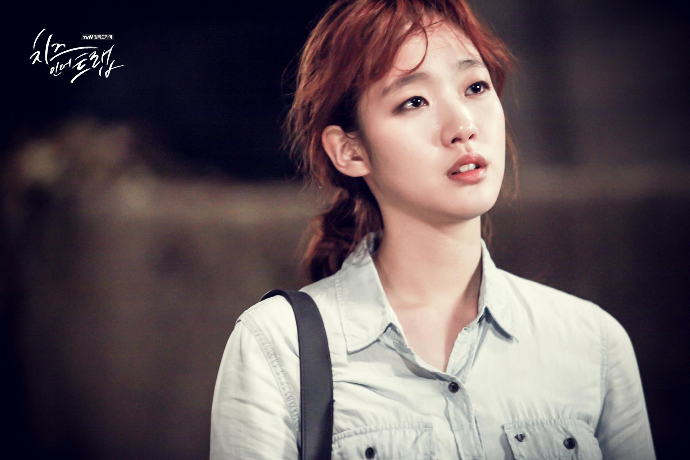 NO~都不是XD 其實只是因為韓國網友們找到了和金高恩長得很像的韓星啦!