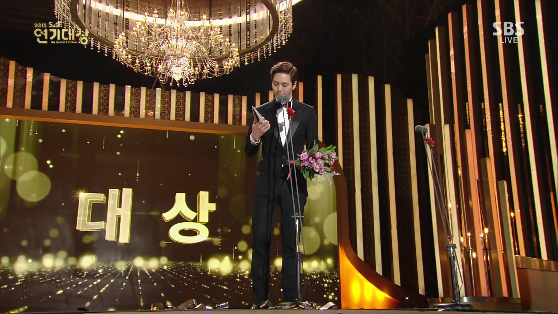 還一舉奪下韓國12個大小獎項!周元個人更是得到SBS演技大賞中最大獎項:大賞的得獎主,堪稱實至名歸啊!