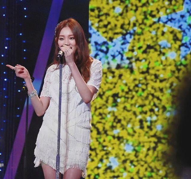 她不但能演還能唱,不信你去翻她上《蒙面歌王》的節目(8/9跟8/16那兩集)