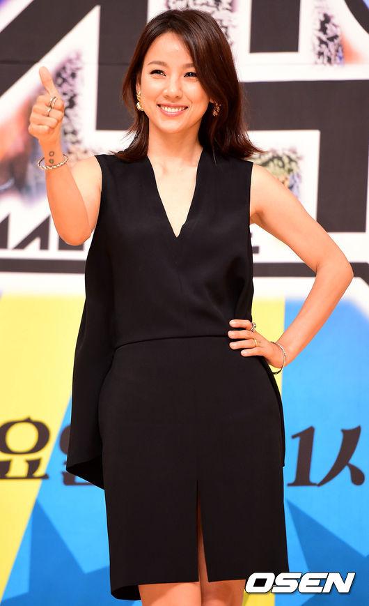 對了對了!韓國網友還有說:「說到笑眼妖姬怎能少了她!孝利姊姊才是笑眼的元祖級人物啊!」