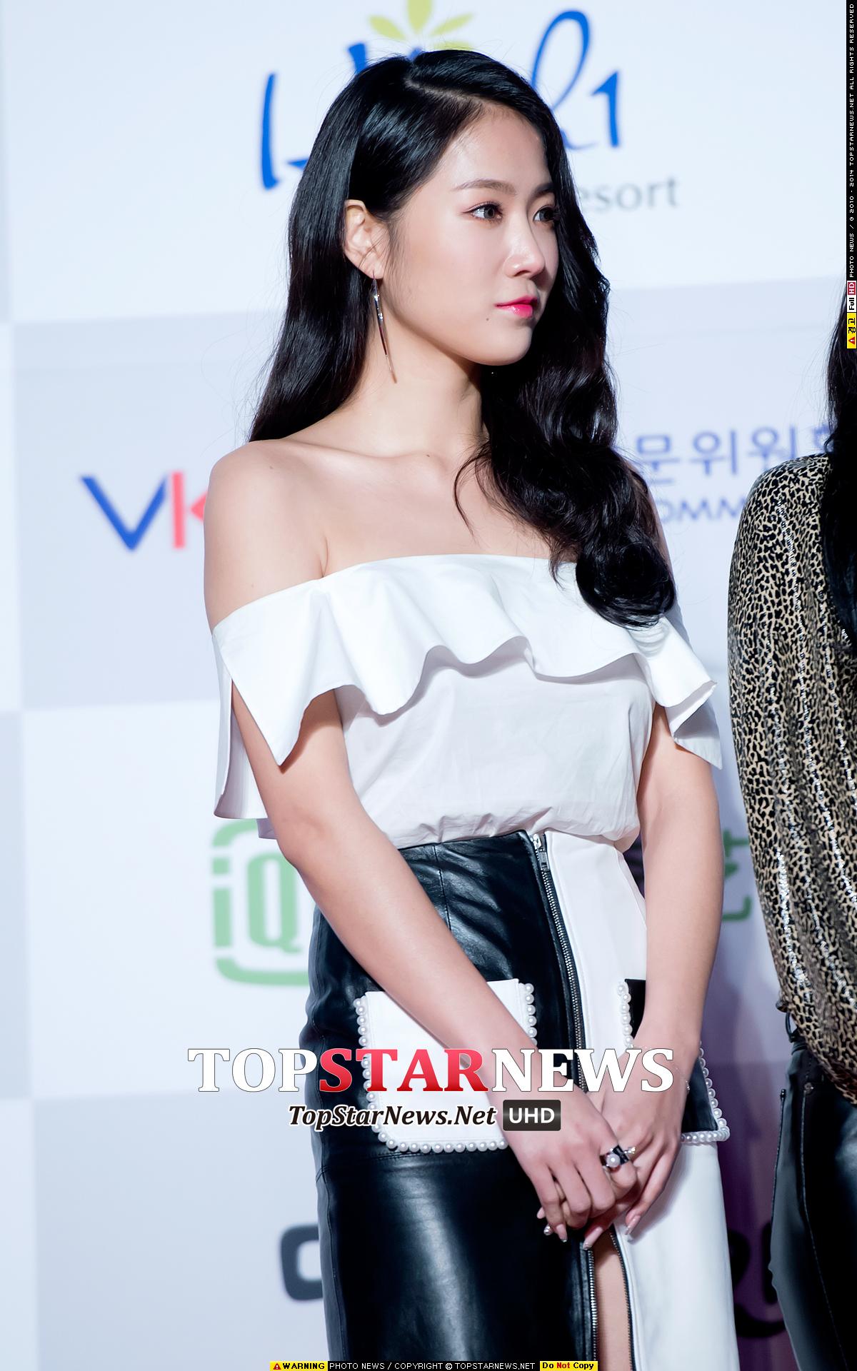 不過前幾天出席首爾歌謠大賞的韶宥,不論是臉還是身材似乎都更瘦了一點
