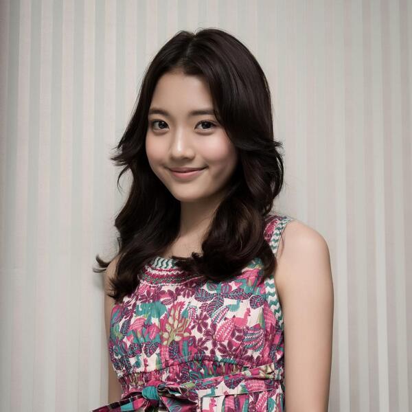 ♥ 鄭多彬(정다빈)  2000年4月25日出生的她,大家還記得韓劇《美妙人生》嗎?劇中的小女孩「馨菲」就是鄭多彬喔!