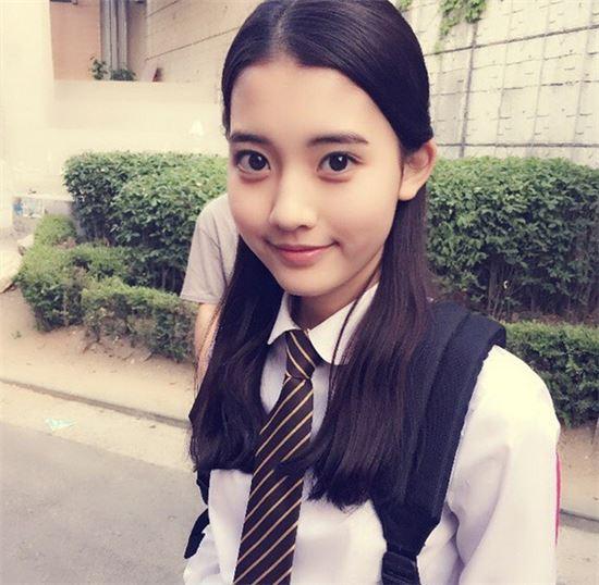 在《她很漂亮》展現讓人驚艷的演技,年紀小小的她,未来不可限量啊!