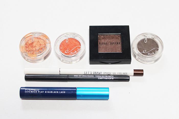 這就是今天小編準備的美妝,一共用到了4種顏色的眼影,分別是:金黃色、橙紅色、棕色和咖啡色。