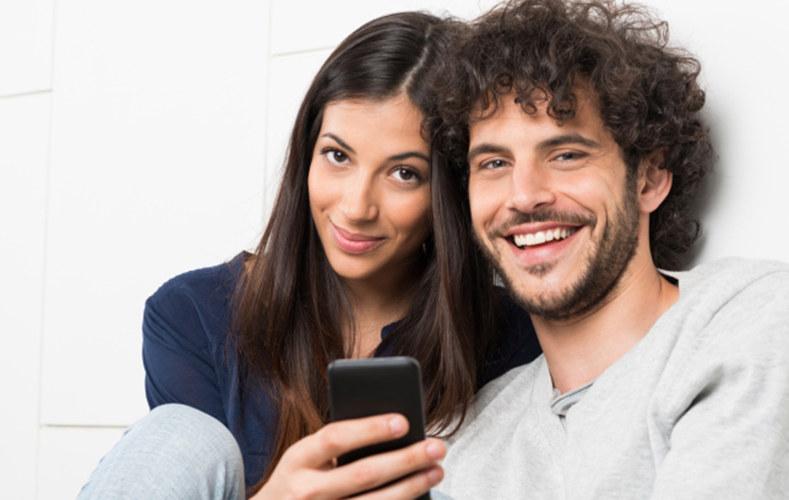 #9 一起刷朋友圈 一起玩同一隻手機,分享朋友間有趣的事:-D