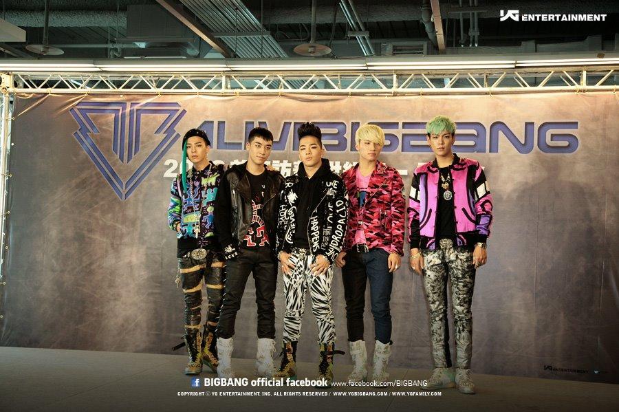 不過2012年BIGBANG發行第五張迷你專輯《ALIVE》,也是BIGBANG第一次降臨台灣開演唱會那時,他終於換了髮型!