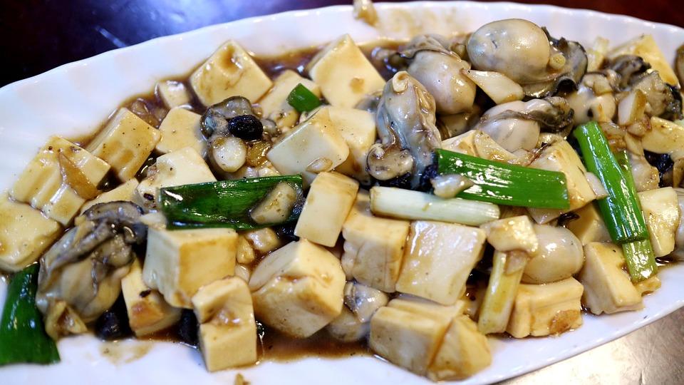 豆腐是一種高蛋白食品,很多人都會吃豆腐來補充蛋白質,用豆腐可以做出很多種料理!