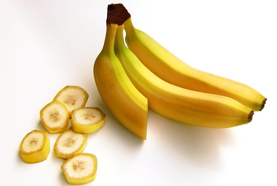 香蕉富含降低血壓的鉀和恢復疲勞的維生素C,跟豆腐一起做成果汁,低卡路里,喝完很容易有飽腹感,特別適合減肥期喝。