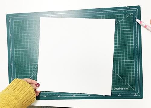 #8 裁出一個25x25(cm)的正方形來製作蓋子