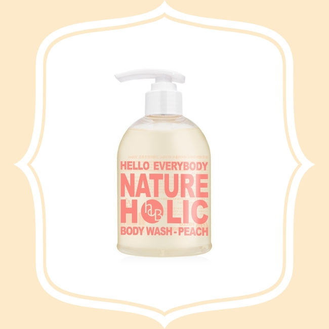 Hello Everybody Nature Holic 水蜜桃沐浴膠 這款有著淡淡桃子香氣的沐浴單品,非常受到女生歡迎,另外保濕度非常高,因此沐浴後的觸感滑順非常舒服!