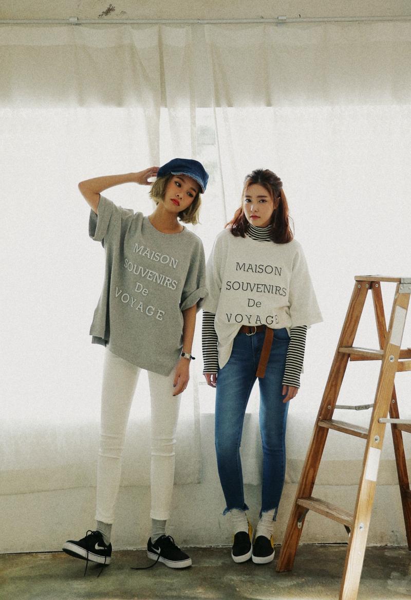 到春夏可以利用的T-Shirt,加入條紋高領衫變得好有層次感,是讓異性覺得你很會搭配的關鍵POINT!
