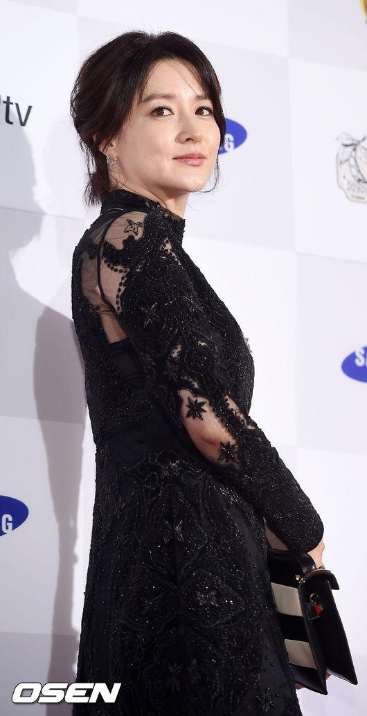 當然「氣質美女」李英愛也是網友強推的美肌女星 ♥