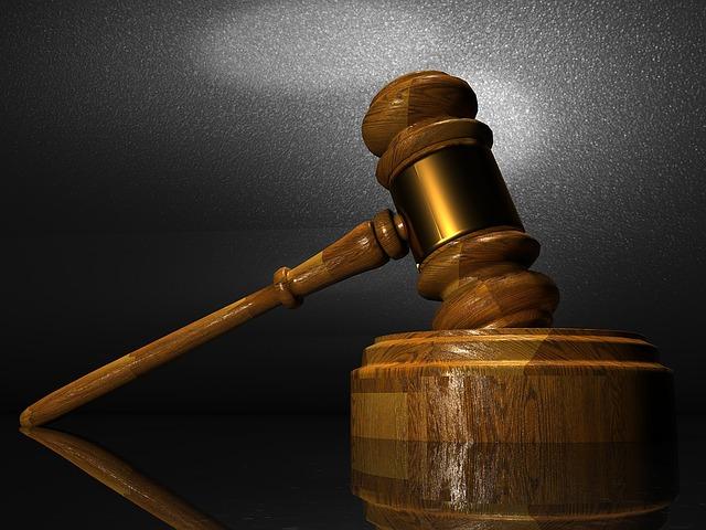 # 5位 – 法律和行政相關的職業 (6.26%) 審判長、檢察官、律師等,,,法律及行政相關的公職人員佔據5位的位置!