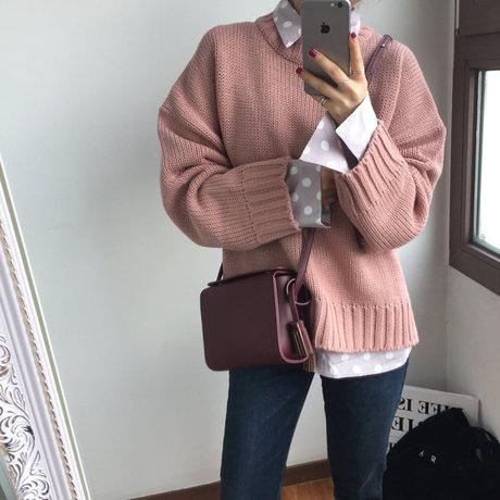 首先是今年最流行的oversize寬鬆毛衣!加上粉晶色 真的看了好舒服,柔柔軟軟的給人好印象~ <來自StyleShare用戶:jh_1555的風格>