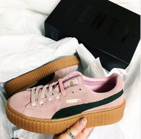 超Q粉晶色PUMA厚底鞋❤️ 這款是蕾哈娜設計的聯名款,好想要啊~~ <來自StyleShare用戶:jak310的風格>