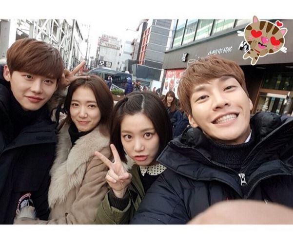 如果說到「最希望他們交往的韓國螢幕情侶」的話,大家會先想到誰呢?(゚∀゚)