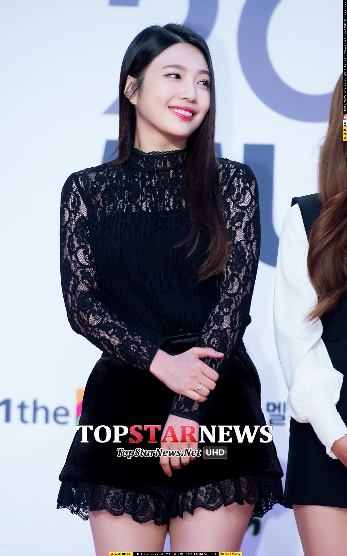 另一個女偶像是Red Velvet成員Joy!小編實在不解啊…Joy明明就這麼可愛ㅜ.ㅜ