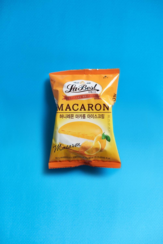 自從蜂蜜洋芋片在韓國大熱之後,韓國各大便利店就開始跟風推出蜂蜜系列的零食,小編大推7-11最新推出的蜂蜜檸檬味道的馬卡龍冰激凌。