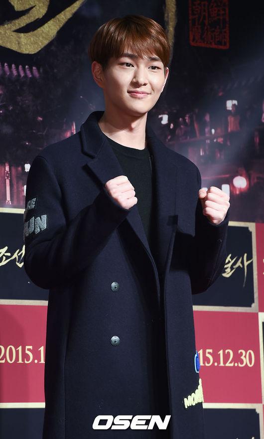 ♥ SHINee :: 溫流  有著兔寶寶外貌的溫流,就像他的名字一樣,總是給人溫柔的感覺,但其實他在舞台上唱歌的時候,還是很有爆發力的。