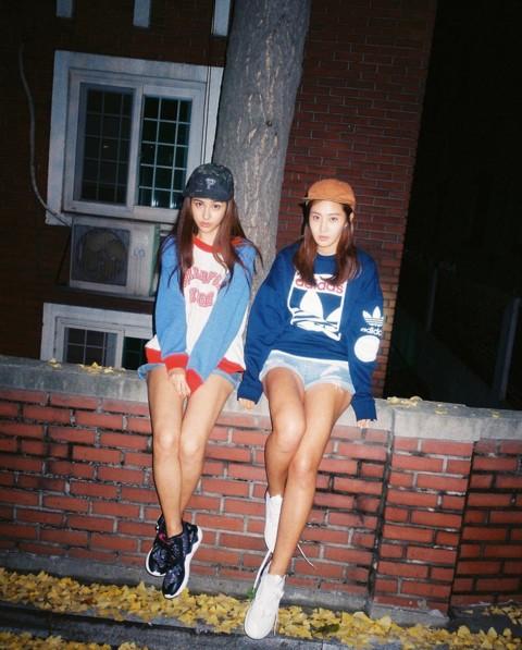 #2 找朋友拍酷照 善用閃光燈營造出青春迷幻的感覺!