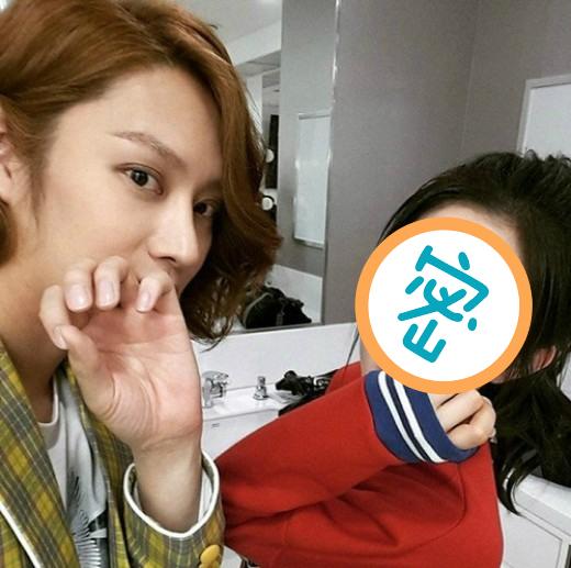 這次韓國網友們說~有位女偶像臉看起來長很高,其實實際身高…雖然不是特別矮,但沒有想像中的高…