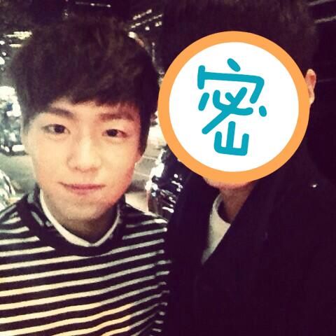 那另一位擁有「矮臉」的韓星是誰呢?他不是偶像,但最近人氣非常旺~