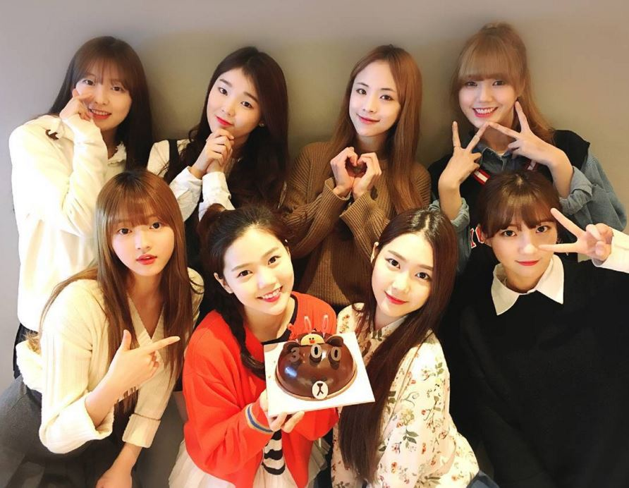 但有Oh My Girl的粉絲看到有Red Velvet就開始擔心,因為Oh My Girl也預計在三月回歸…