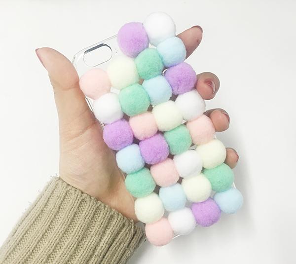 超讚的說~~~~♡ 毛球手機殼大功告成!