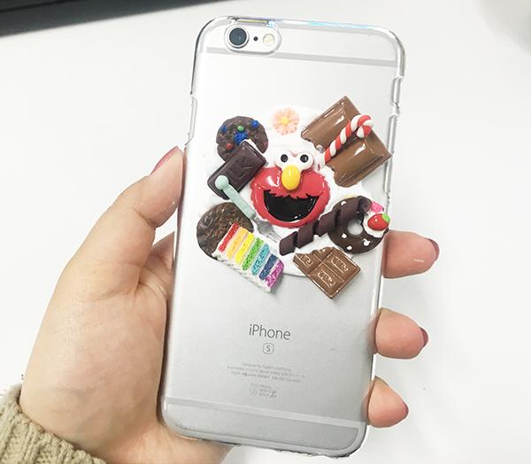 手機殼完全晾乾后 安在手機上...超可愛....^O^