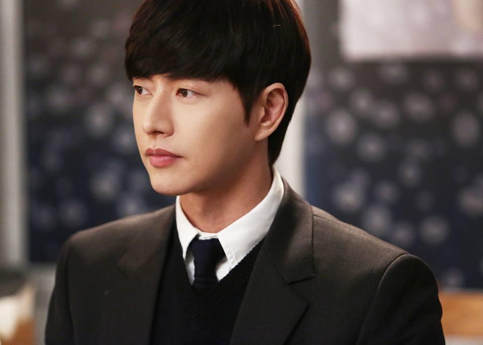 不只收到許多戲劇邀約,在中國的身價更是大漲!根據韓國媒體今天的報導,朴海鎮經紀公司的代表提到目前KBS的作品提案不斷進來,MBC編制作品也有四部,SBS則是有一部當男主角的提案。