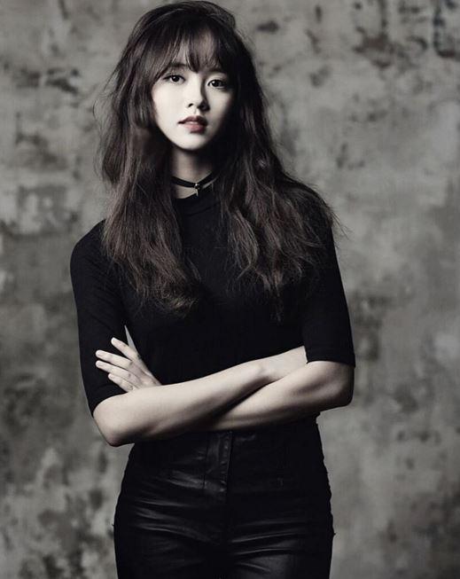 韓國網友們說金所炫比起頭髮放下來的樣子…