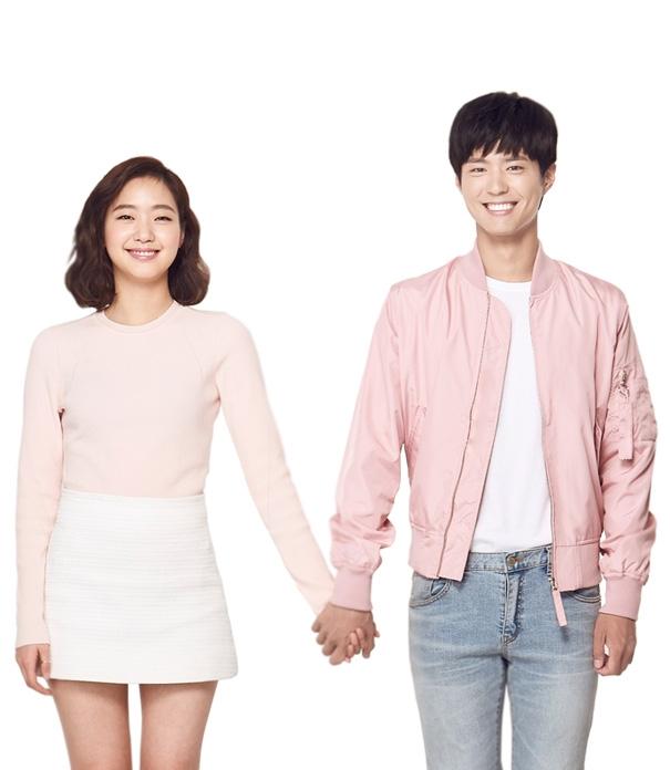這次朴寶劍和金高恩被選為韓國網路購物線上平台G9的代言人,兩人的互動真的超可愛的啦♥快跟著小編一起來看看吧~