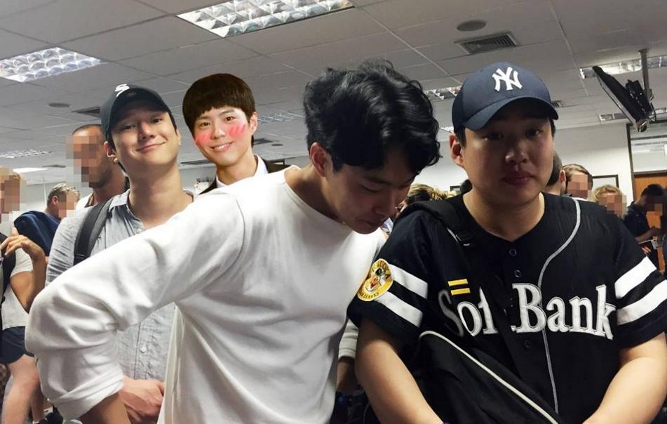 原本正在泰國普吉島享受休假的演員安宰弘、柳俊烈、高庚杓,在當地直接被羅 PD 帶走...