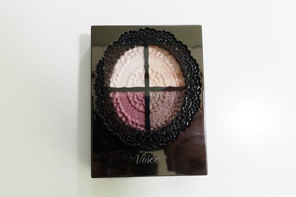 3. Visee 眼影&眼線筆 本來也列在美妝愛好者必買清單裡的Visee眼影,其實在去年就進入台灣開架美妝設櫃了~不過去日本藥妝店時還是可以順手帶幾個回來啦(笑)
